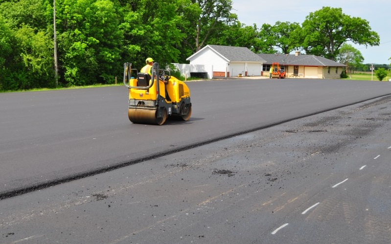 Asphalt Paving Milwaukee Wisconsin